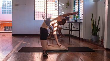Trening z elementami jogi