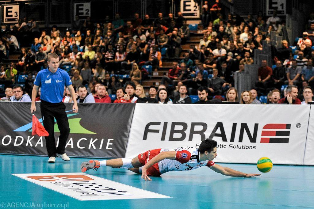 Liga Mistrzów. Asseco Resovia - Dragons Lugano 3:0. Aleksander Śliwka w akcji w obronie