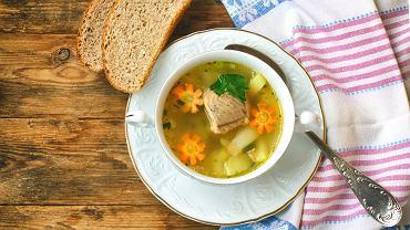 Zupa z karpia podawana jest w niektórych domach na Wigilię. Najczęściej wykorzystuje się do niej części, które zwykle są wyrzucane