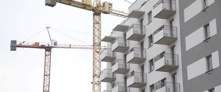 Polacy kupują mieszkania za gotówkę. Wydali rekorodowe 5,7 mld zł