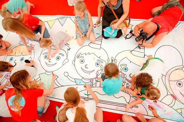 Najmłodsi pokolorowali 18 ogromnych kartek