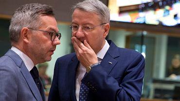 Brexit. Michael Roth, niemiecki minister ds. europejskich (z lewej) i jego odpowiednik z Rumunii George Ciamba