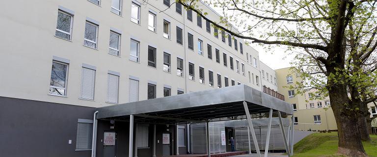 """Ogromne kolejki w Szpitalu Dziecięcym w Olsztynie. """"Zajęte niemal 100 proc. łóżek"""""""