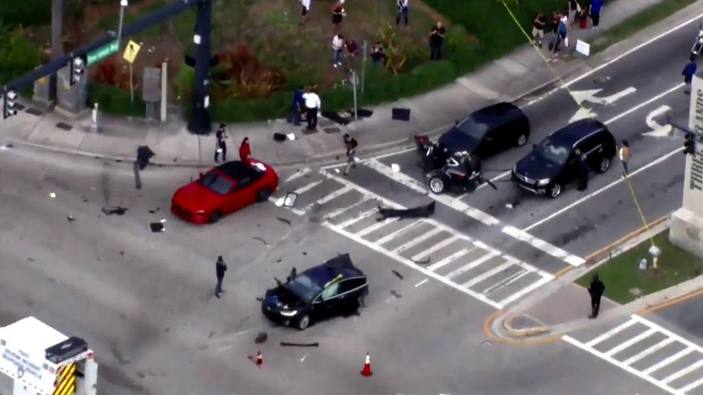 Tesla Model X przecięta w wypadku