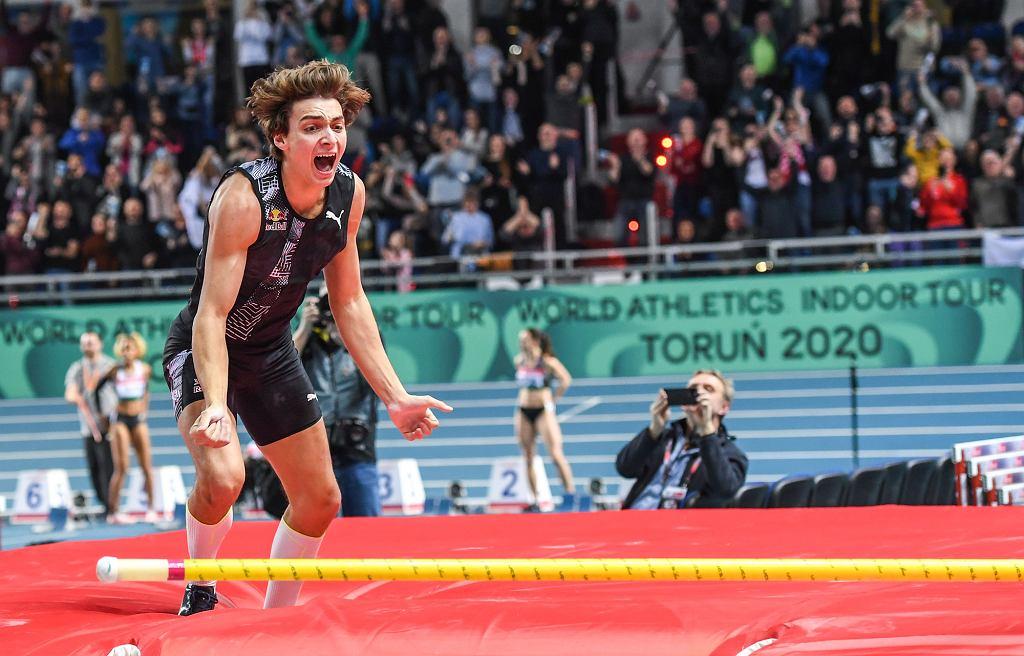 Szwed Armand Duplantis skoczył o tyczce w Arenie Toruń 6 m 17 cm - to absolutny rekord świata w tej konkurencji