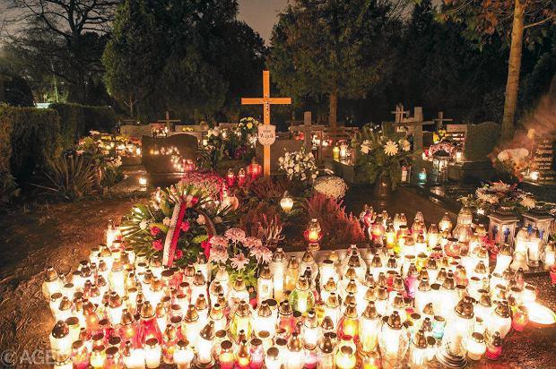 Zdjęcie numer 18 w galerii - Cmentarze najpiękniej wyglądają nocą. Zobacz zdjęcia z wrocławskiej nekropolii