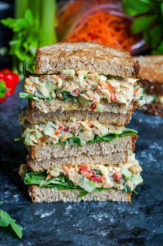 Taka kanapka może zastąpić drugie śniadanie lub lunch