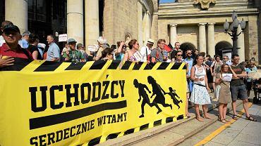 Manifestacja poparcia dla przyjęcia przez Polskę uchodźców