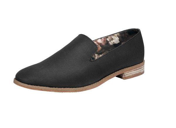 Buty z kolekcji H&M. Cena: ok. 160 zł