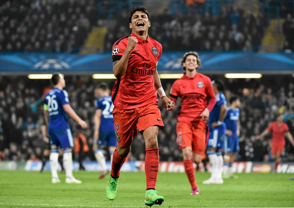Ale piłkarze PSG, choć grali w dziesiątkę, walczyli do końca! Na sześc minut przed końcem dogrywki piłkę wpakował do bramki Thiago Silva.