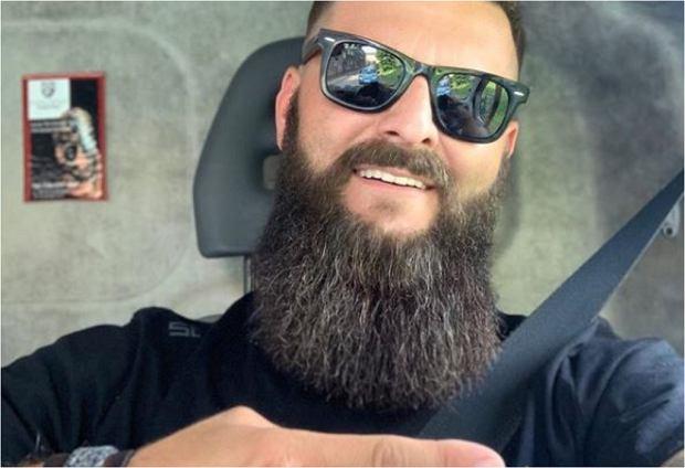 """Radek z programu """"Big Brother"""" pokazał, jak goi się jego palec, którego omal nie stracił podczas wypadku w domu Wielkiego Brata. Uczestnik show zapewnia, że niebawem będzie już zdrowy."""