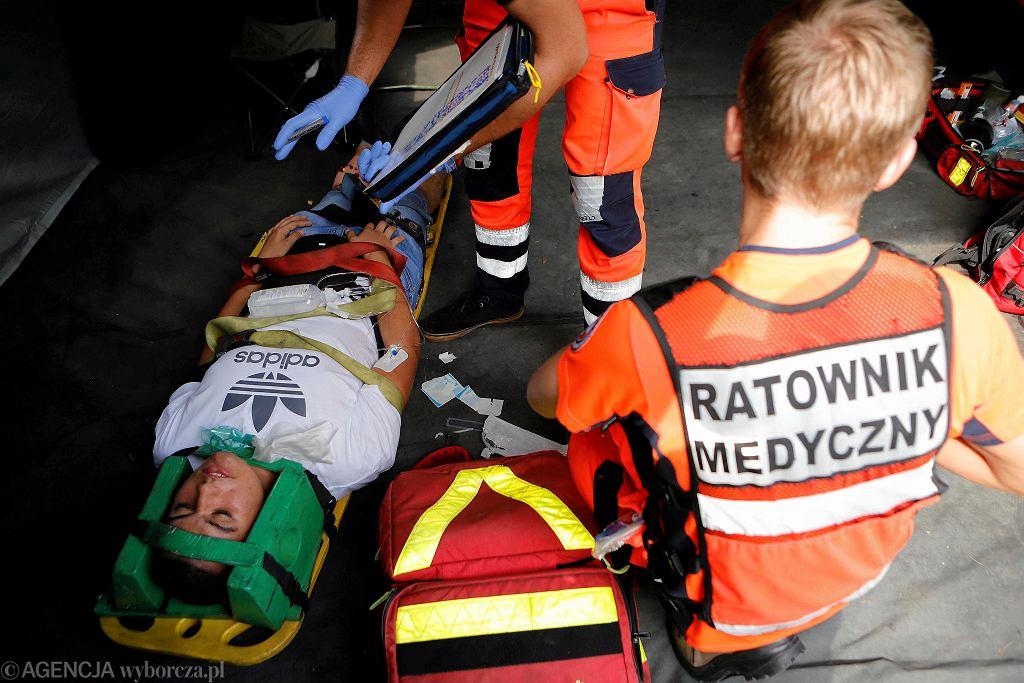 Ratownicy medyczni [zdjęcie ilustracyjne]