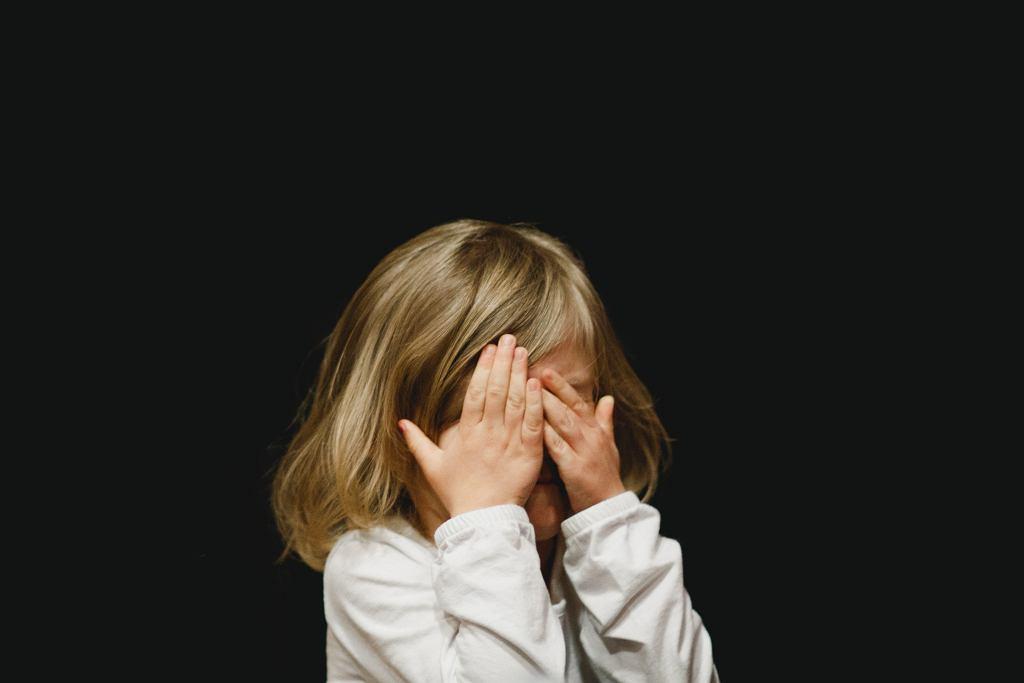 10-latka z Krakowa zmyśliła pobicie. Chciała, żeby jej mama zwróciła na nią uwagę (zdjęcie ilustracyjne)