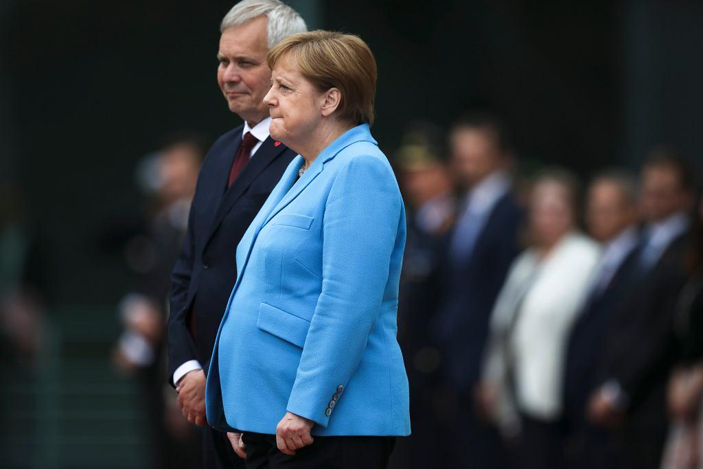 Spotkanie Angeli Merkel z premierem Finlandii Anttim Rinne. Kanclerz Niemiec ponownie dostała drgawek