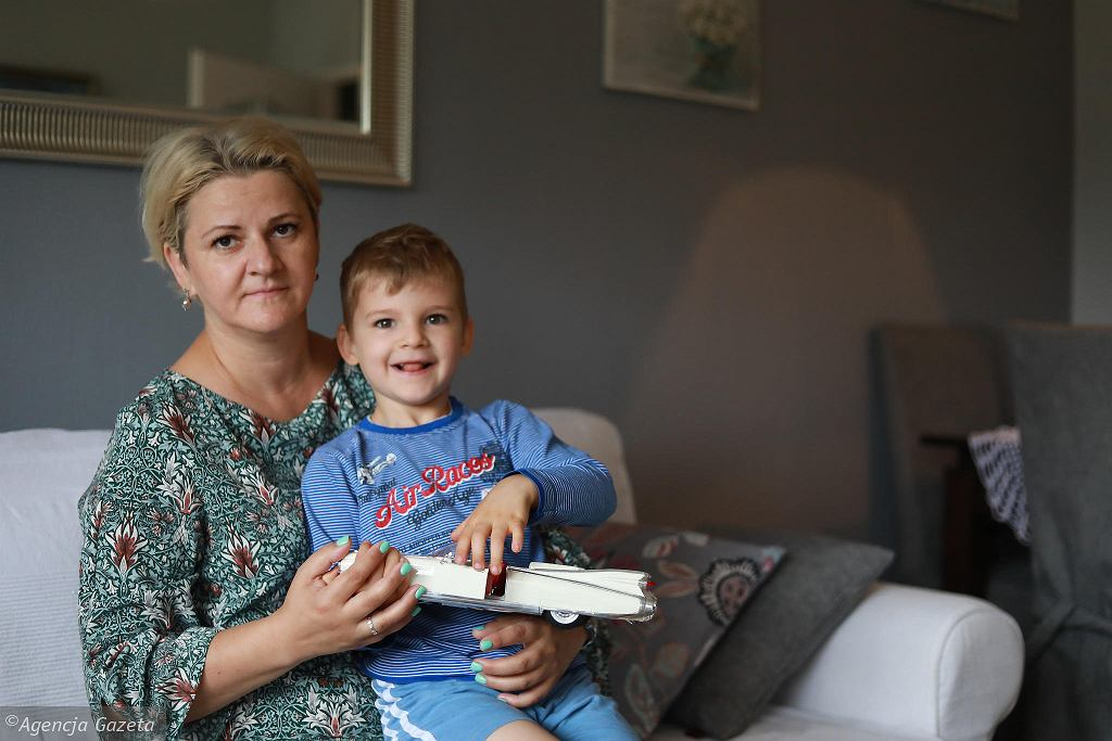 'Takich dzieci ma nie być'. Czy Bartek, transpłciowy 7-latek, ma szansę iść do państwowej szkoły i być sobą?