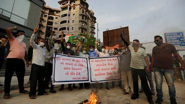 Ahmedabad, protest antychiński, 16 czerwca 2020.