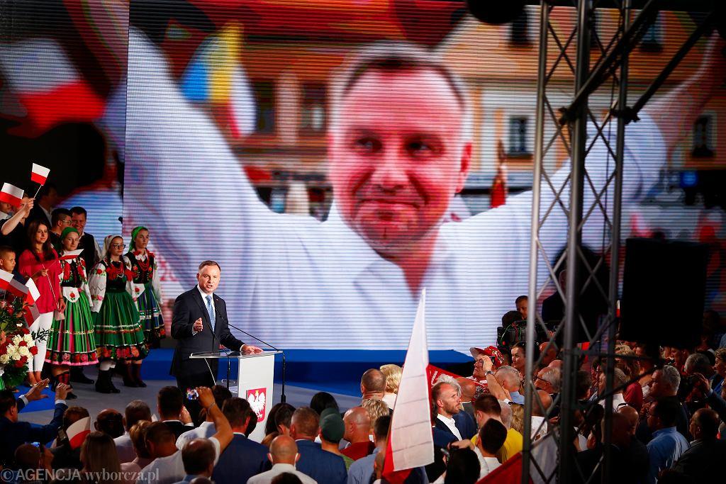Andrzej Duda w Łowiczu usłyszał, że jest 'durniem'. Sąd ponownie zajmie się znieważeniem prezydenta