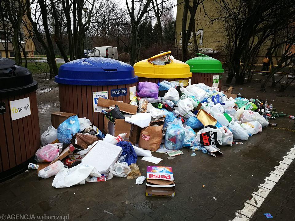 Śmieci na Oś. Zwycięstwa. Poznań, 3 stycznia 2018