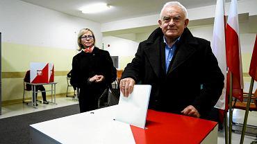 Leszek Miller podczas wyborów samorządowych w 2014 r.