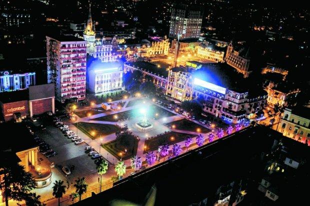 Batumi, Gruzja, fot. Jonathan Hatfield / www.xynamic.com