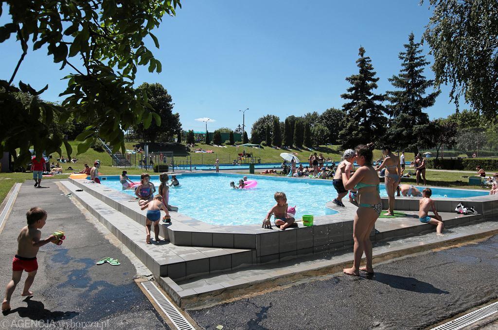 Koronawirus - czy można zakazić się w basenie?