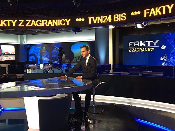 Piotr Kraśko - prowadzący Fakty z zagranicy w TVN24 Bis