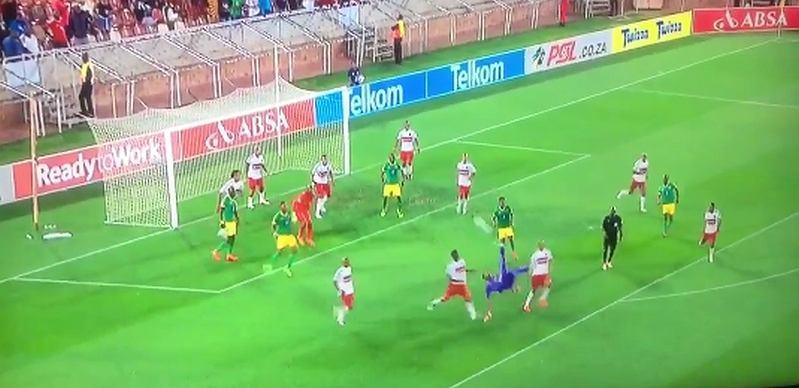 Osacrine Masuluke strzela gola