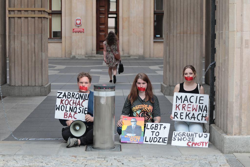 Protest przed MEiN