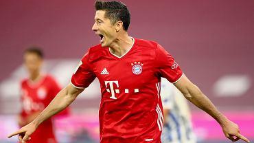 Robert Lewandowski po trzecim golu dla Bayernu w niedzielnym meczu z Herthą Berlin