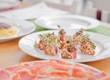Sushi z suszonej szynki serrano e.t.g. z karmelizowaną cebulą i jabłkiem - ugotuj