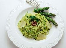 Spaghetti z pesto z zielonych szparagów i natki - ugotuj