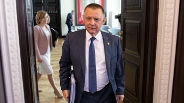 Marian Banaś jako minister finansów podczas pierwszego posiedzenia rządu po rekonstrukcji, 06.06.2019