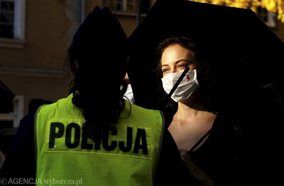 Protest przeciwko wyrokowi Trybunału Konstytucyjnego zaostrzającemu prawo aborcyjne, Olsztyn, 25 października 2020.