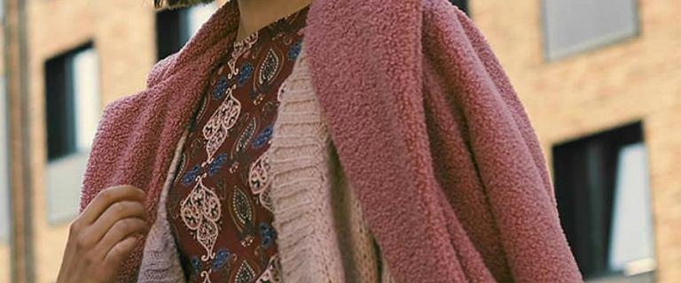Modne kurtki, płaszcze i botki z Answear. Wybieramy najładniejsze modele z wyprzedaży