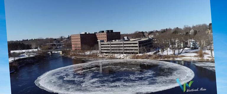 Na rzece powstał obracający się, lodowy krąg. Skąd to nietypowe zjawisko?
