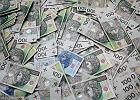 Konto po zmarłym. Kiedy możemy wypłacić pieniądze, kiedy musimy spłacić kartę?