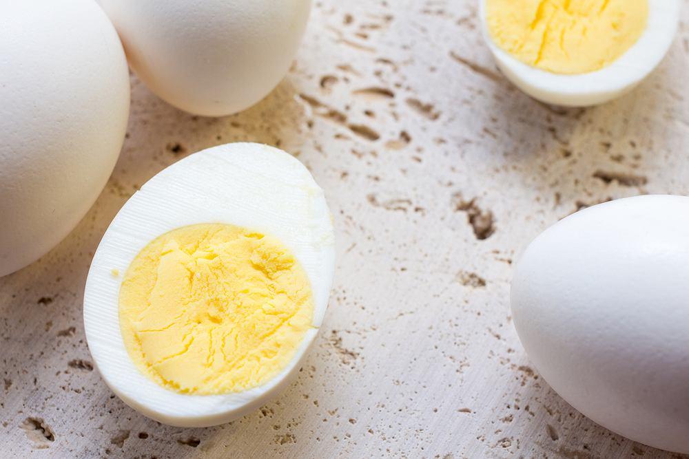 Jak długo można trzymać w lodówce jajko ugotowane na twardo?