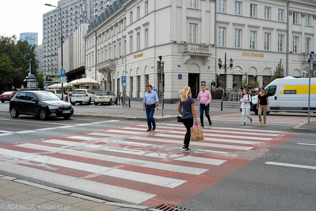 Przejście dla pieszych na ul. Marszałkowskiej przy placu Bankowym