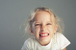 Zgrzytanie zębami (bruksizm) u dzieci - dlaczego się pojawia i co wówczas zrobić?