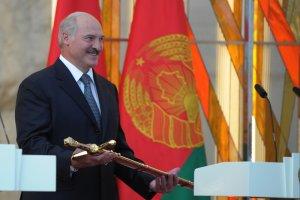 Łukaszenka zakazuje kryzysu na Białorusi