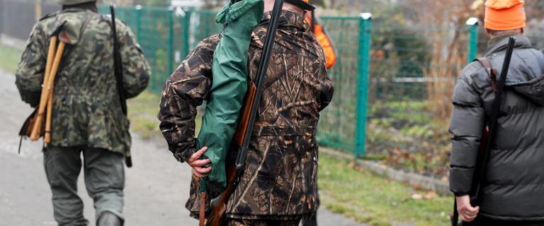 """Zgoda na polowania w strefie stanu wyjątkowego? """"Minister prosi się o tragedię"""""""