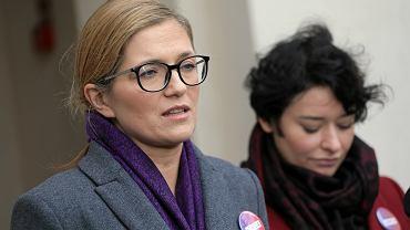 Magdalena Biejat podczas konferencji prasowej. Warszawa, 10 października 2019