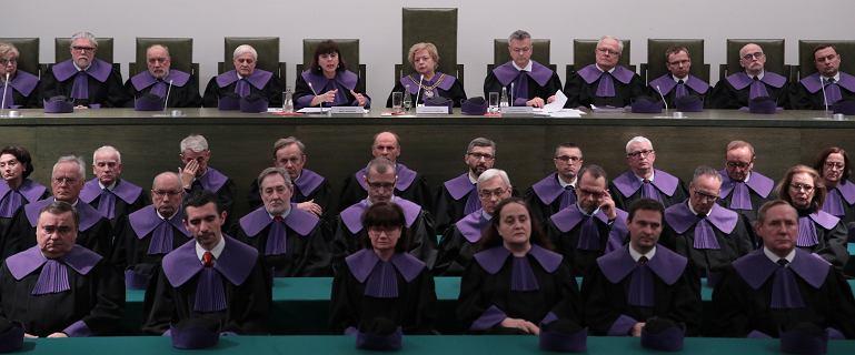 """""""Niezwykły moment"""". Reakcje na uchwałę SN ws. sędziów wybranych przez KRS"""