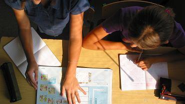 Czy uczniowie klas 4-8 wrócą do szkół po feriach?