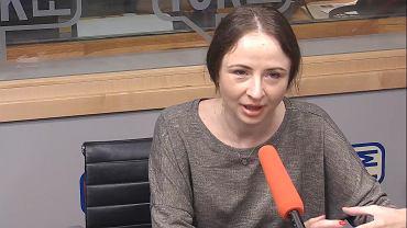 Agnieszka Dziemianowicz-Bąk w studiu TOK FM.