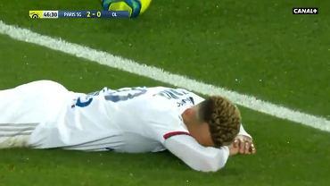 Kuriozalny samobój w meczu PSG - Lyon