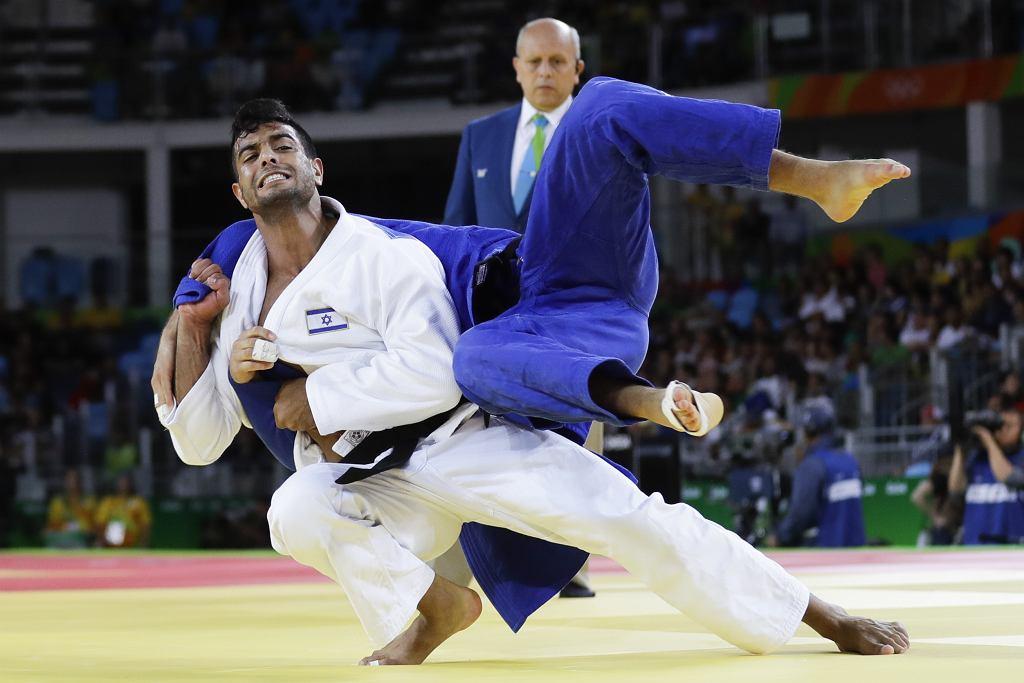 Sagi Muki walczy z Niemcem Igorem Wandtkem podczas igrzysk w Rio de Janeiro