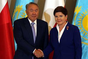 """Trzymani za twarz Kazachowie dostali od Dudy i Szydło jednoznaczny sygnał: dla ojczyzny """"Solidarności"""" liczy się tylko biznes"""