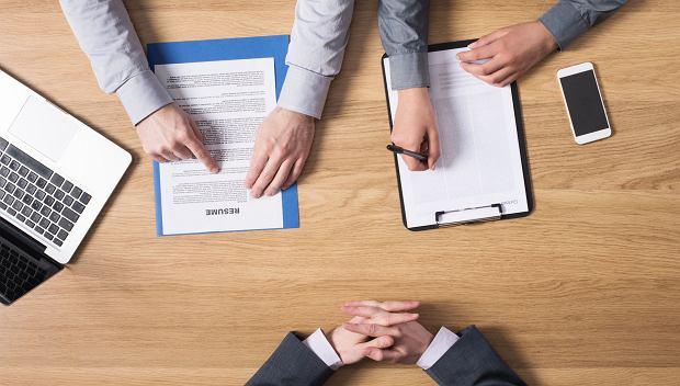 Polityka firmy dotycząca randkowania z podwładnymi