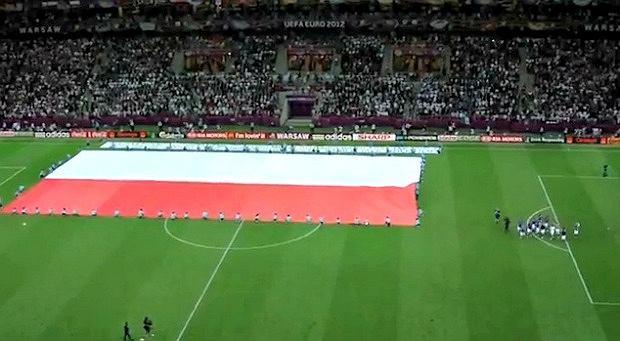 Polska flaga na Stadionie Narodowym